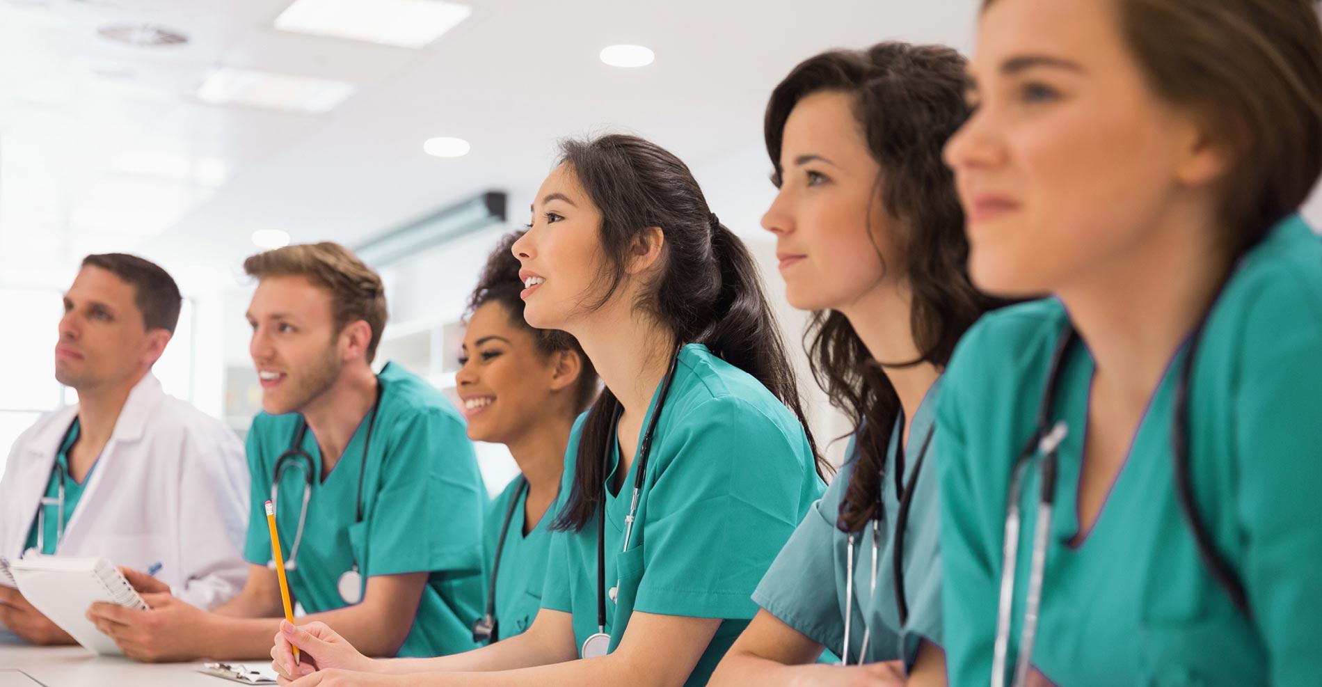Postgrados en enfermería y medicina